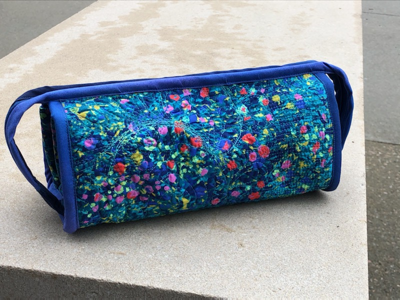 clever zippered notions bag for quilters
