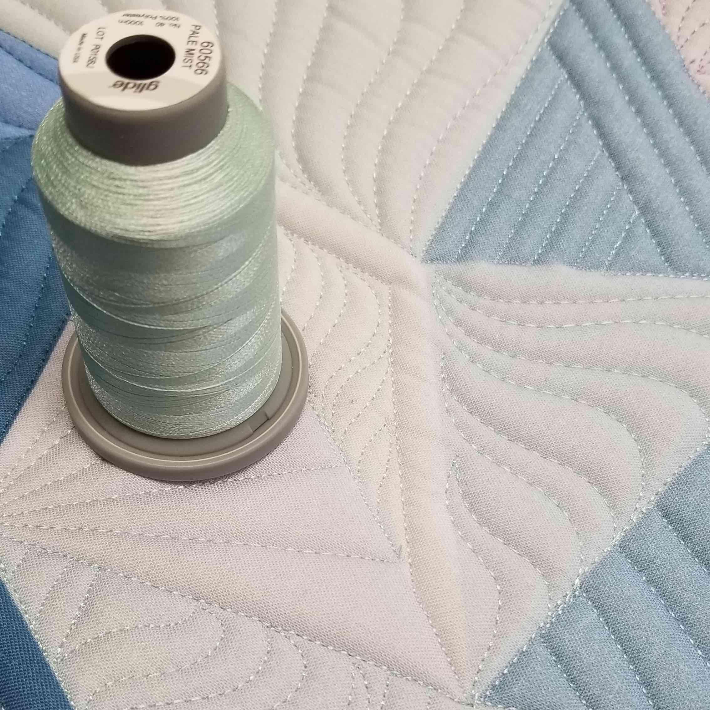 pale mist glide poly thread 40 wt