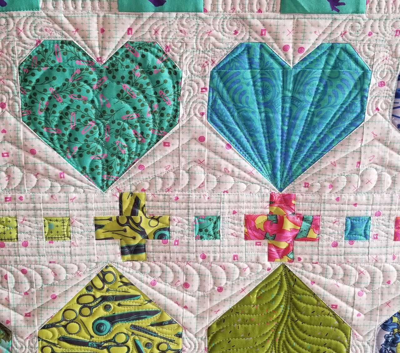 machine quilting heart shaped blocks